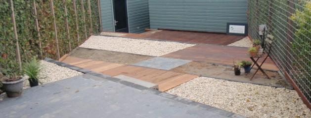 Realisatie voor en achtertuin met niveauverschil door Berkeltuin.nl uit Zuid Holland