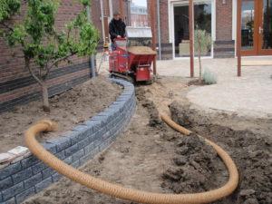 Aanleg drainage in Bergschenhoek door Berkeltuin.nl