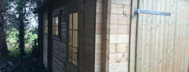 Blokhut garage 50mm geplaatst