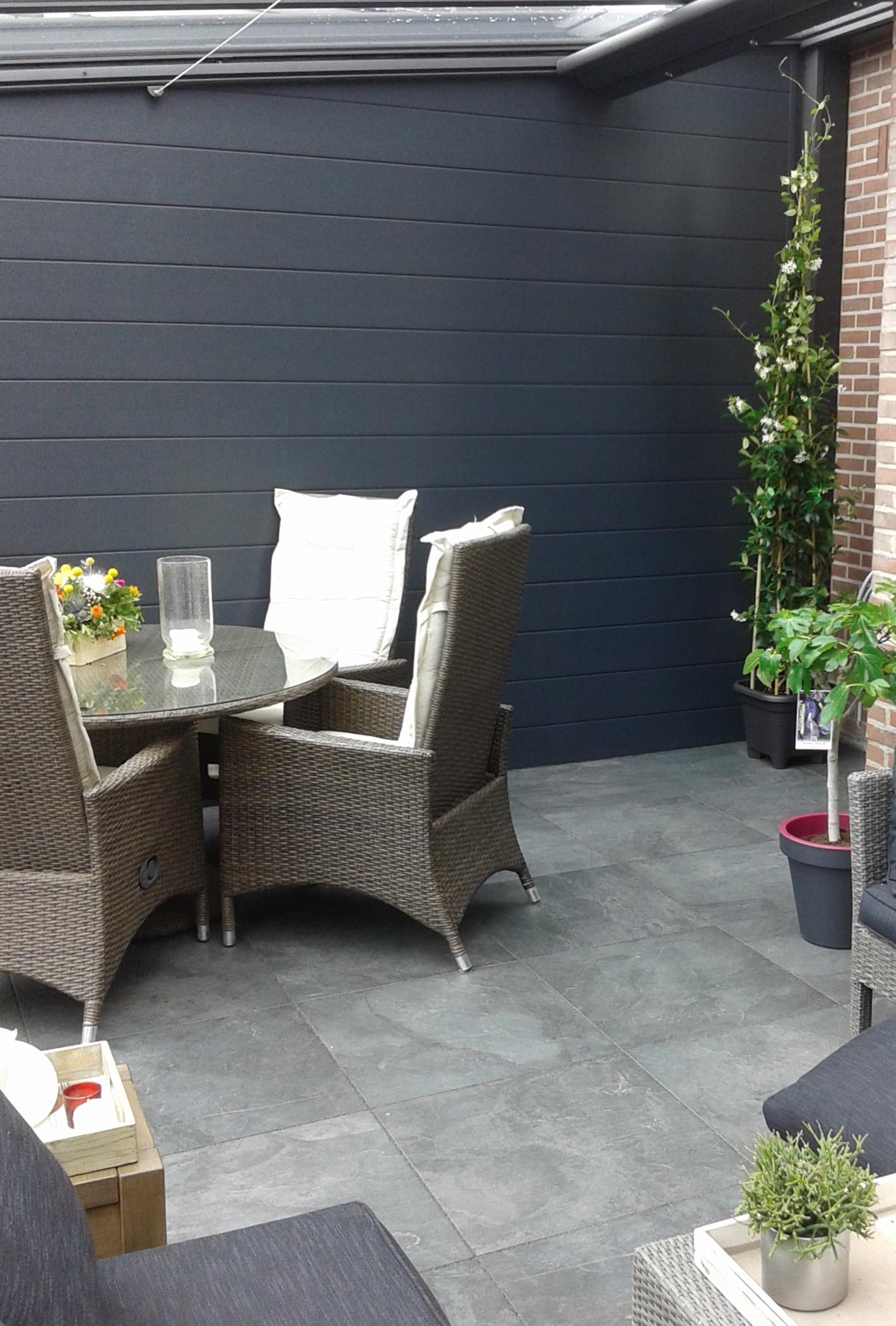 Tuintegels Zuid Holland.Keramische Tuintegels In De Tuinkamer 15 Tegelcentrum Berkeltuin Nl