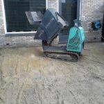 Natuursteentegels en grondwerk verzorgt door Tegelcentrum Berkeltuin.nl uit Zuid Holland